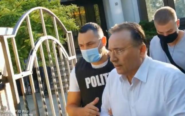 Gheorghe Nichita a fost scos in catuse din vila sa din Copou. Fostul primar e condamnat la 5 ani de inchisoare cu executare