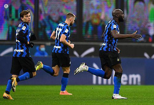 Tătăruşanu, integralist la AC Milan în meciul cu Inter din sferturile Cupei Italiei, pierdut cu scorul de 1-2. Milan a condus cu 1-0