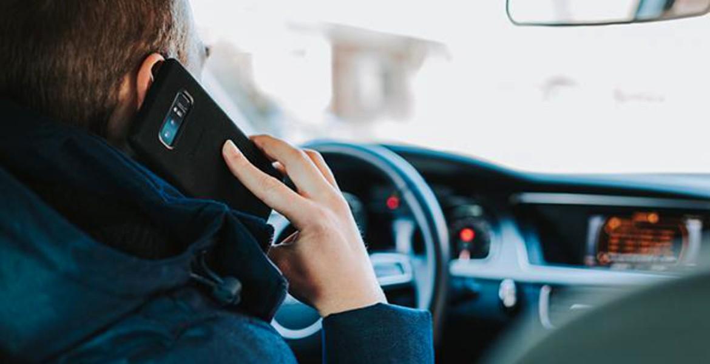 S-a schimbat modificarea! Ce pățesc de acum cei care țin telefonul în mână la volan?