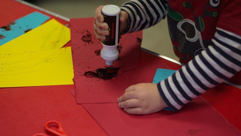 De luni se redeschid grădinițele, creșele și after-school-urile. Măsura e valabilă și pentru cele de stat