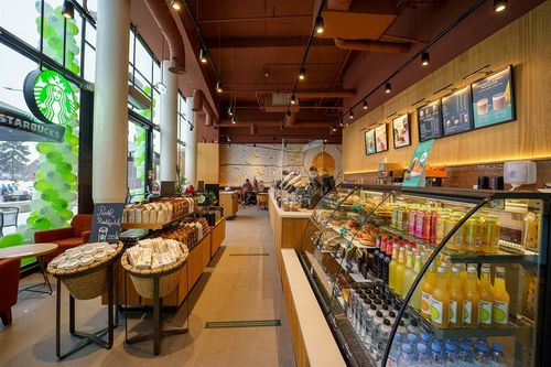 Starbucks deschide o nouă cafenea în Braşov - FOTO