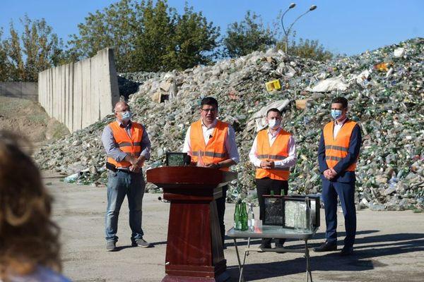 Ministrul Mediului: La sticlă reciclăm abia 15% din deşeurile pe care le producem, deşi până la finalul acestui an România ar trebui să se situeze la un grad de reciclare de minim 50%