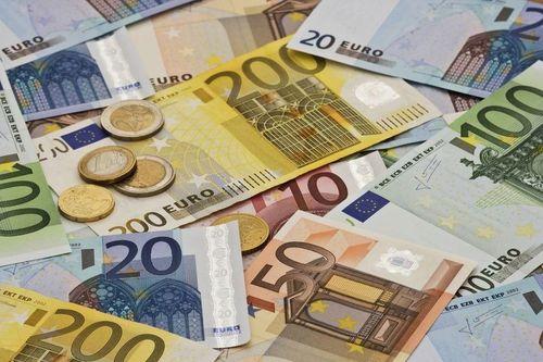 Financial Times: Escaladarea restricţiilor legate de pandemia de Covid-19 a încetinit semnificativ activităţile economice în zona euro