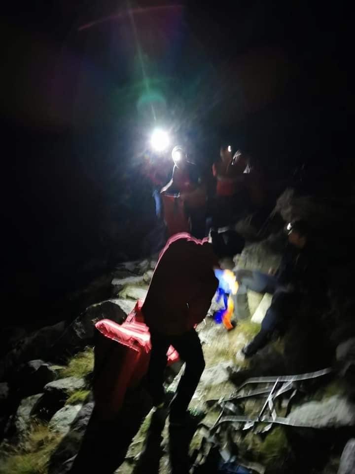 Salvamontiştii din Argeş caută doi tineri care au plecat încă de dimineaţă pe Vârful Moldoveanu şi nu au mai revenit
