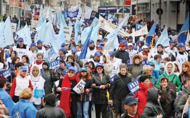 România se umple de șomeri? Cîțu: Ne pregătim pentru până la un milion de oameni trimiși în șomaj tehnic; vom avea un vârf al crizei în aprilie