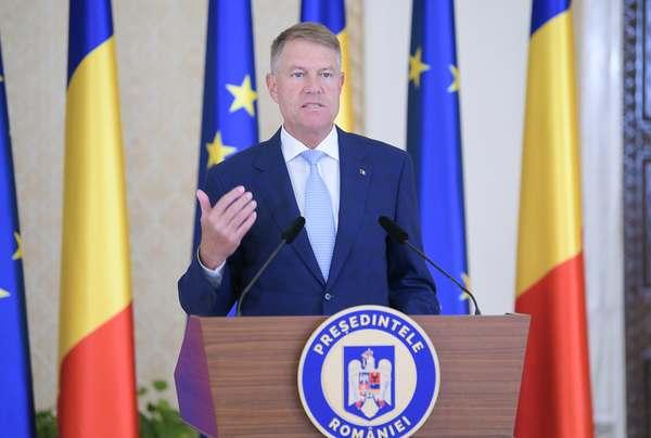 Iohannis a promulgat Legea pentru respingerea OUG care amâna, până la 1 august, dublarea alocaţiilor pentru copii