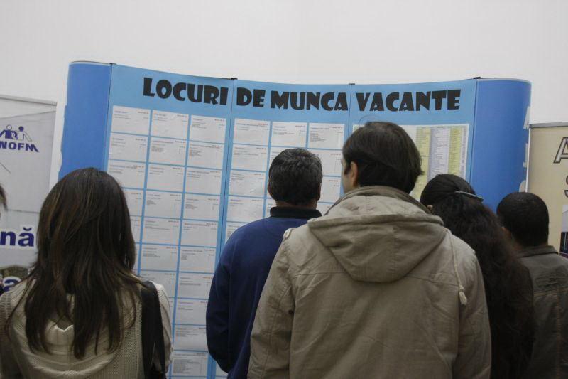 În luna aprilie, rata şomajului în formă ajustată sezonier a fost de 4,8%, mai mare decât în luna precedentă