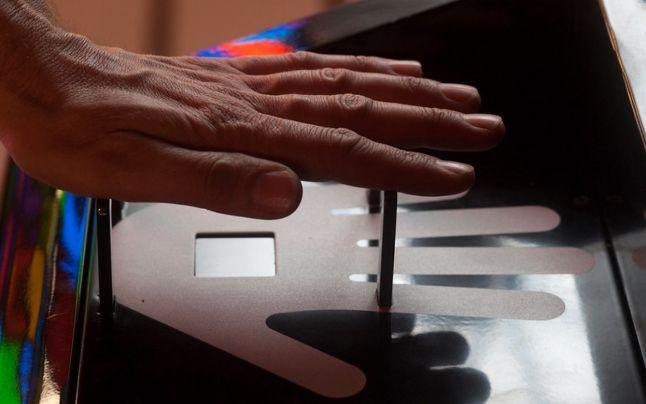Adio plata cu smartphone-ul! Amazon lucrează la un sistem de plată cu palma
