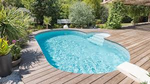 Liber la mall, petreceri private chiar si baie la piscina!