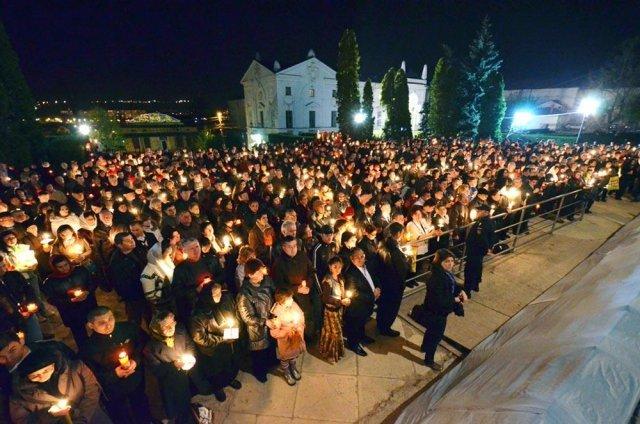 Bisericile subordonate Mitropoliei Moldovei nu vor ţine astăzi o nouă slujbă de Înviere