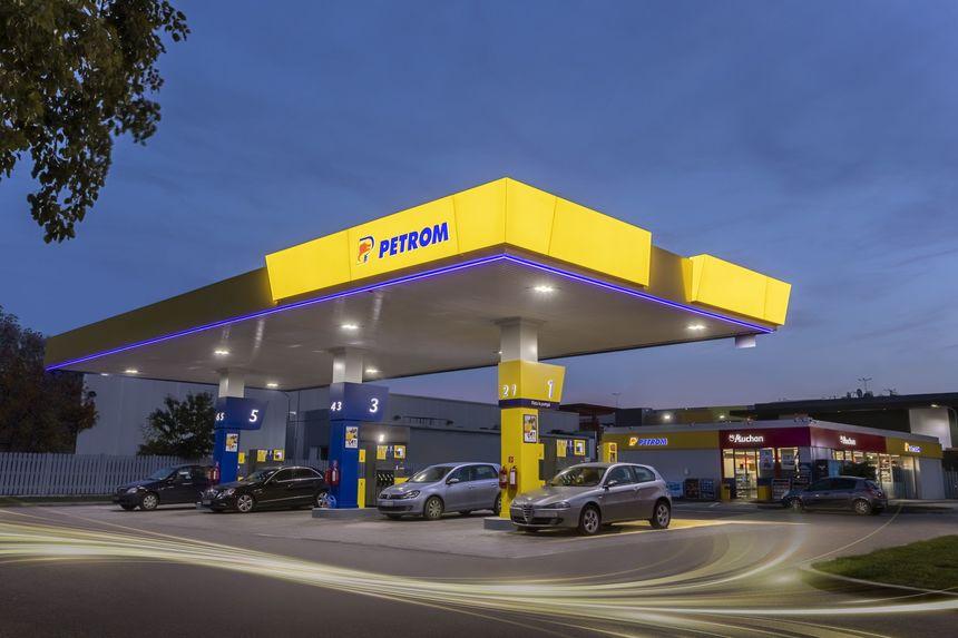 OMV Petrom şi Auchan Retail România vor investi peste 50 milioane euro pentru modernizarea a 400 de benzinării Petrom