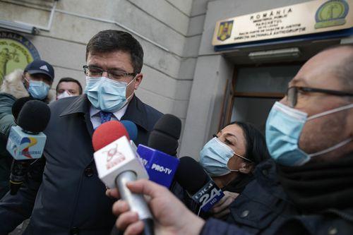 Costel Alexe le-a spus colegilor din PNL Iaşi că se aşteaptă şi la alte dosare la adresa sa, dar că el se va concentra să facă treabă în fruntea judeţului