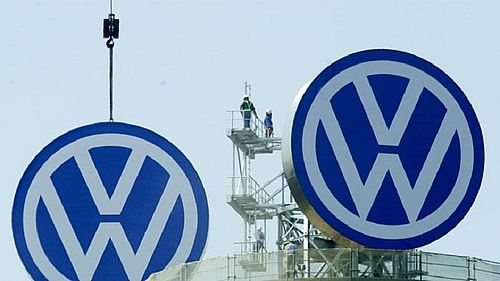 Profitul Volkswagen s-a redus sub aşteptări în 2020 din cauza pandemiei, dar grupul ar putea plăti amenzi mari din cauza emisiilor de dioxid de carbon