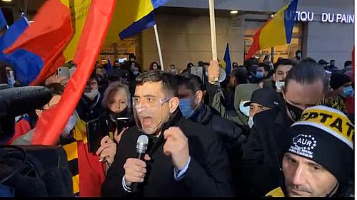 """UPDATE - Protest organizat de AUR în urma incendiului de la Institutul Matei Balş / Protestatarii au mers în coloană de la Ministerul Sănătăţii până la institut / Anunţul Jandarmeriei / Liderul AUR: Nu vă mai bateţi joc de noi! Ne-aţi furat 31 de ani"""""""