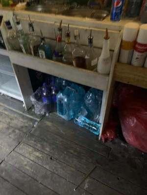 Amenzi în valoare de aproape 500.000 de lei, date de inspectorii sanitar-veterinari pe litoral. Un fast food a fost închis temporar - FOTO