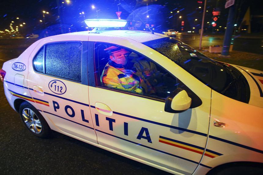 Prahova: Scandal între nouă persoane oprit de poliţişti cu focuri de armă