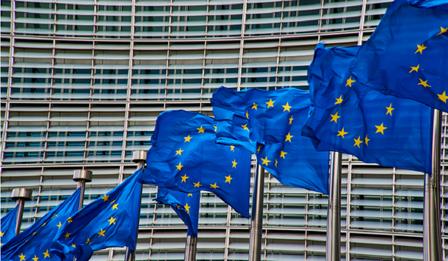 Comisia Europeană alocă alte 200 de milioane de euro pentru a stimula educaţia şi formarea digitală prin programul Erasmus+ 2020