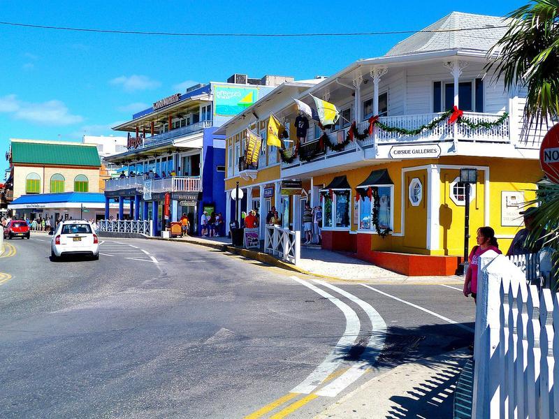 Insulele Cayman, teritoriu britanic, puse de UE pe lista neagră a paradisurilor fiscale