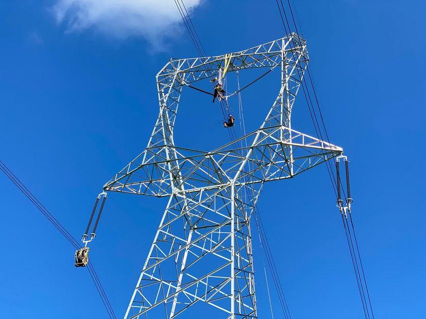 UPDATE - Mai multe zone din Capitală, afectate de o pană de curent. Reprezentanţii E-Distribuţie Muntenia spun că problema ţine de instalaţiile operatorului de transport / Anunţul ApaNova / Precizările Metrorex / Explicaţiile Transelectrica