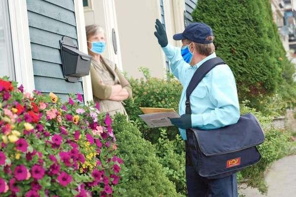 Ratele bancare pot fi plătite la oficiile poştale sau direct de acasă, cu ajutorul factorului poştal