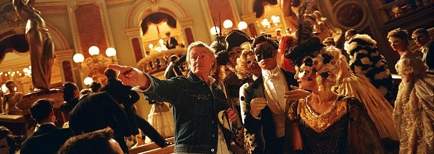 """Joel Schumacher, regizor al filmelor """"Batman Forever"""" şi """"Lost Boys"""", a murit la vârsta de 80 de ani"""