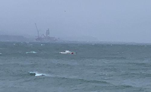 O navă rusească s-a scufundat în Marea Neagră. Un echipaj românesc intervine pentru salvarea marinarilor aflaţi la bord