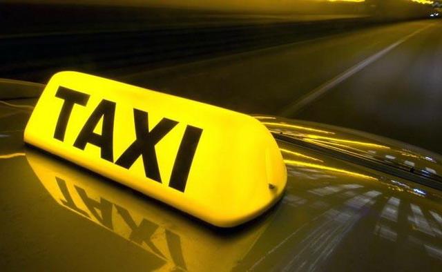 Ce a pățit un taximetrist-pirat cu o clientă vigilentă