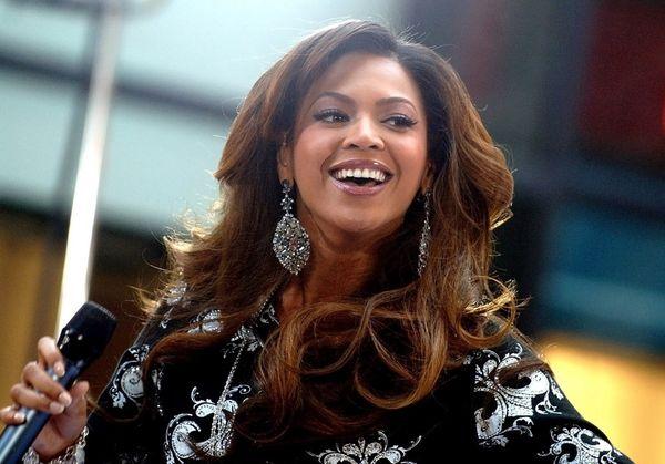 Beyoncé promite o donaţie de 6 milioane de dolari pentru servicii de sănătate