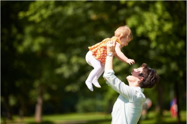 5 obiecte pe care trebuie sa le cumperi unui bebelus DUPA varsta de 6 LUNI