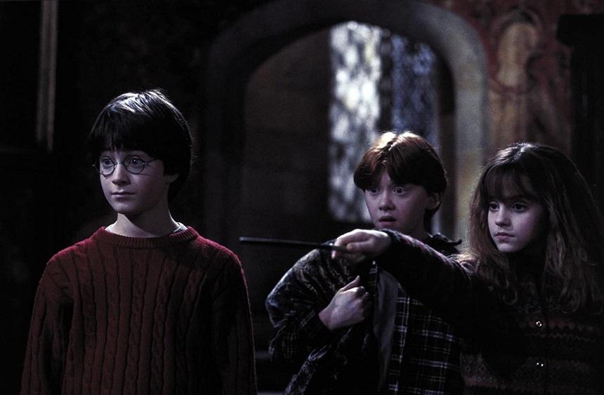 """""""Harry Potter and the Sorcerer's Stone"""" a depăşit pragul de încasări de 1 miliard de dolari"""