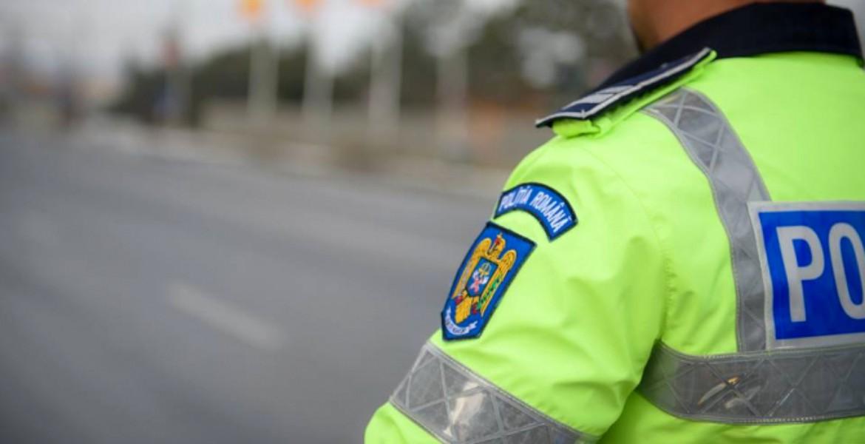 Polițiști de la Rutieră prinși în flagrant. Câți bani luau să-i lase în pace pe șoferi?