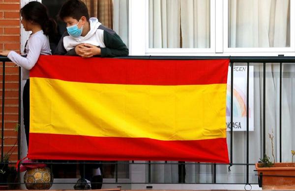 Unul din şase copii spanioli, deprimat pe timpul izolării din cauza covid-19; familiile sărace mai afectate, arată un studiu Save the Children