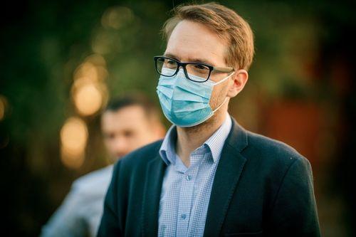 Viceprimarul şi secretarul Primăriei Timişoara, testaţi pozitiv cu coronavirus. Primarul Dominic Fritz s-a autoizolat la domiciliu