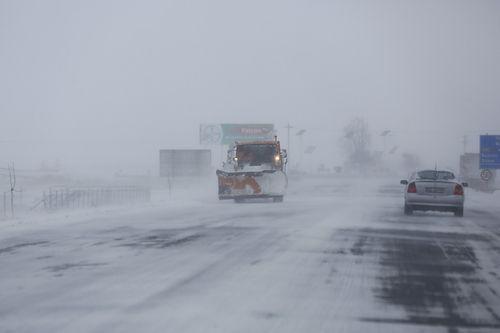 Ministrul Transporturilor cere Comandamentului Central de Iarnă să acţioneze pentru a nu avea probleme în trafic din cauza ninsorii: Va fi pentru unii manageri o ocazie de evaluare a capacităţii lor de a gestiona provocările vremii nefavorabile