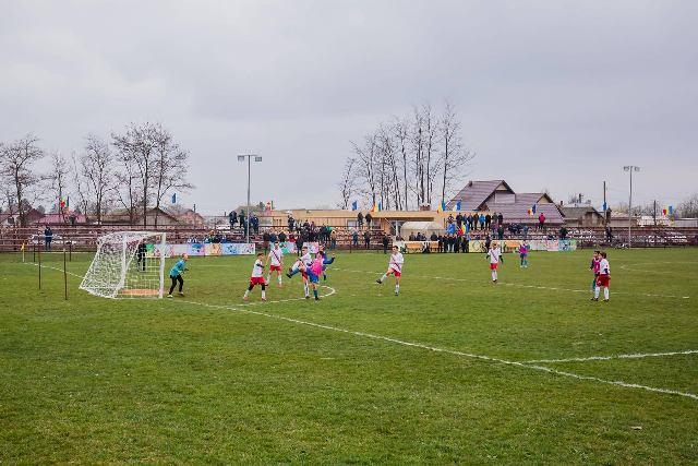 Micii fotbaliști de la Ruginoasa vor avea un teren de fotbal modern