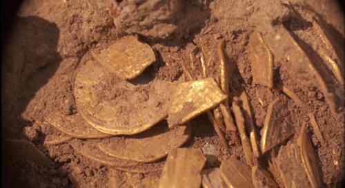 Un grup de adolescenţi israelieni a descoperit sute de monede din aur pur vechi de 1.100 de ani - VIDEO