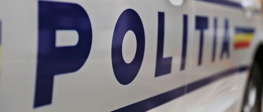 Vrancea: Doi morţi şi 11 răniţi după ce un microbuz şi un autoturism s-au ciocnit