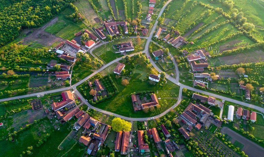 Ministerul Economiei încurajează angajatorii să ofere vouchere de vacanţă: În fiecare an, peste 1 milion de români au ales să-şi petreacă vacanţele în ţară cu vouchere de vacanţă