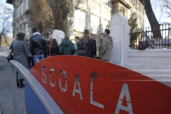 Ministerul Afacerilor Interne anunţă înfiinţarea Poliţiei Siguranţă Şcolară, care va funcţiona de la începerea noului an şcolar/ Organigrama Poliţiei Române va fi suplimentată cu 266 de posturi
