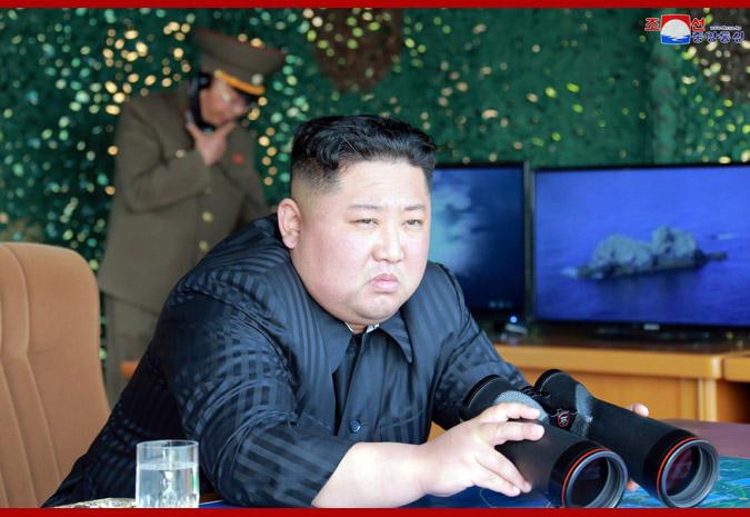 Dictatorul Kim Jong Un și-a făcut apariția în public, după aproape o lună de absență. Existau specualții că ar fi fost infectat cu coronaviurs