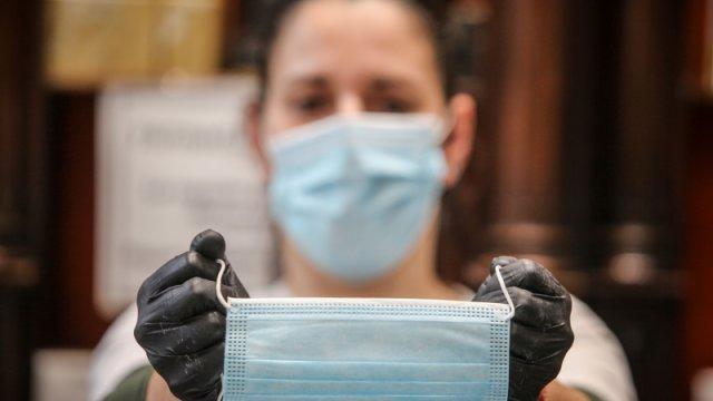 Medicul Musta: Cât încă avem peste 100 de cazuri zilnic, nu putem renunța la mască