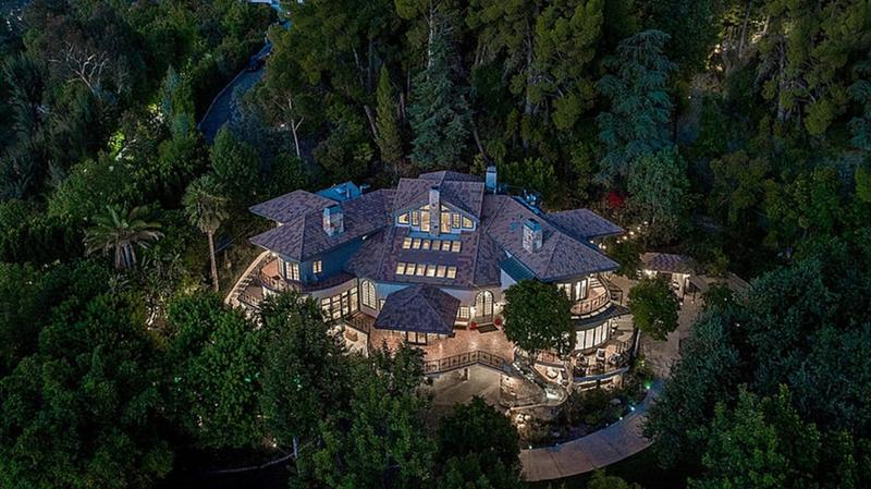 FOTO Cum arată casa din California construită de Tom Petty și cumpărată de Selena Gomez