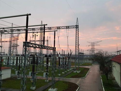 Transelectrica a pus în funcţiune cu succes tronsonul LEA 400 kV Oradea Sud – Nădab, investiţie de 4 milioane de lei