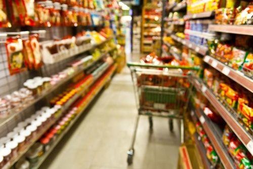 INS: Rata anuală a inflaţiei a scăzut la 2,2% în octombrie, de la 2,5% în luna septembrie. Ţigările s-au scumpit cu aproape 7% de la începutul anului.