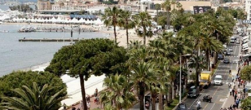 Zeci de răniţi uşor după o panică generală pe Croazeta din Cannes, după ce o persoană a strigat că se trage