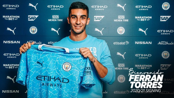 Manchester City l-a achiziţionat pe Ferran Torres de la Valencia
