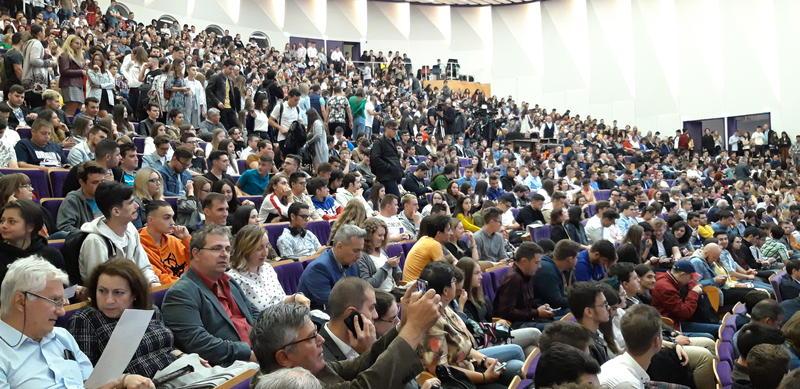 Studenții îi cer președintelui Klaus Iohannis să nu promulge legea prin care rectorii au număr nelimitat de mandate
