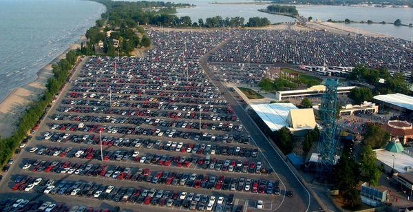 Unde au fost abandonate mii de mașini în perioada pandemiei de coronavirus, când nimeni nu mai cumpără?