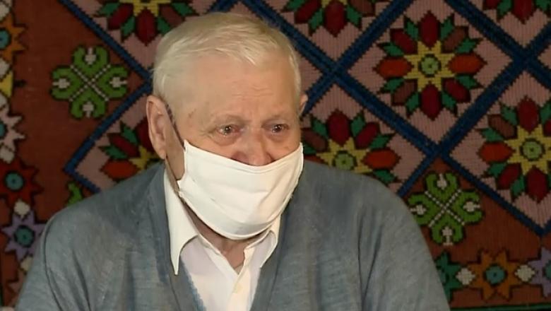 Unul dintre cei mai în vârstă români vindecați de coronavirus are 92 de ani: Dumnezeu m-a respins, m-a trimis tot jos la agricultură!