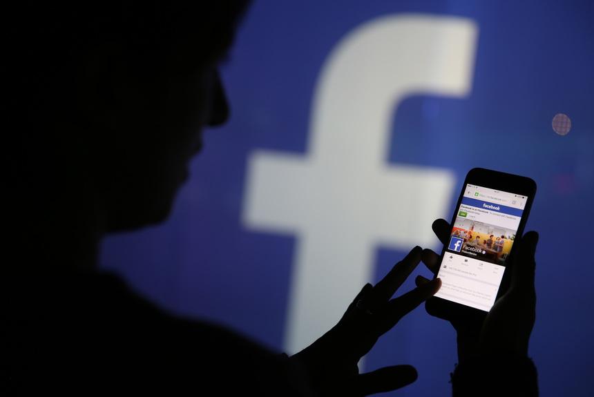 Toţi utilizatorii Facebook îşi pot transfera pozele pe Google Photos